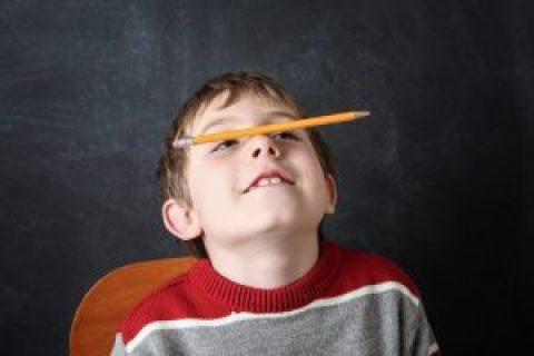 Comment la sophrologie peut aider mon enfant à se concentrer en classe?