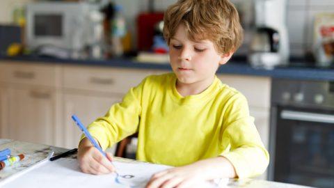 3 conseils pour aider votre enfant à améliorer son écriture